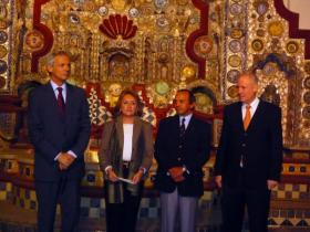 Austrian Ambassador to Mexico Dr. W. Druml; Lic. Lucía Sáenz Viesca, Director of Centro Cultural Isidro Fabela; Lic. Francisco Moreno Gutiérrez, Director General of the Bank of Mexico; Amos Schueller